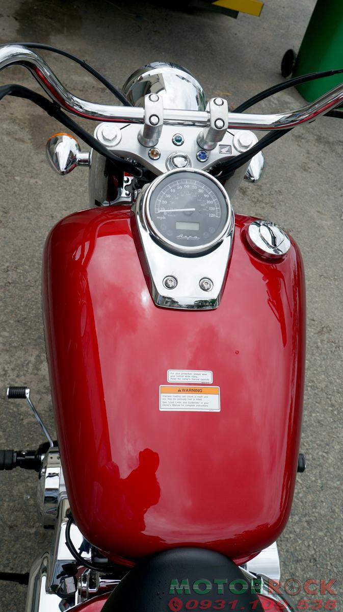 Shadow Aero chi tiết đỏ