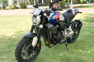 CB1000R PLUS Limited Edition giới hạn 350 chiếc