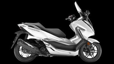 Forza 300 2019 màu trắng