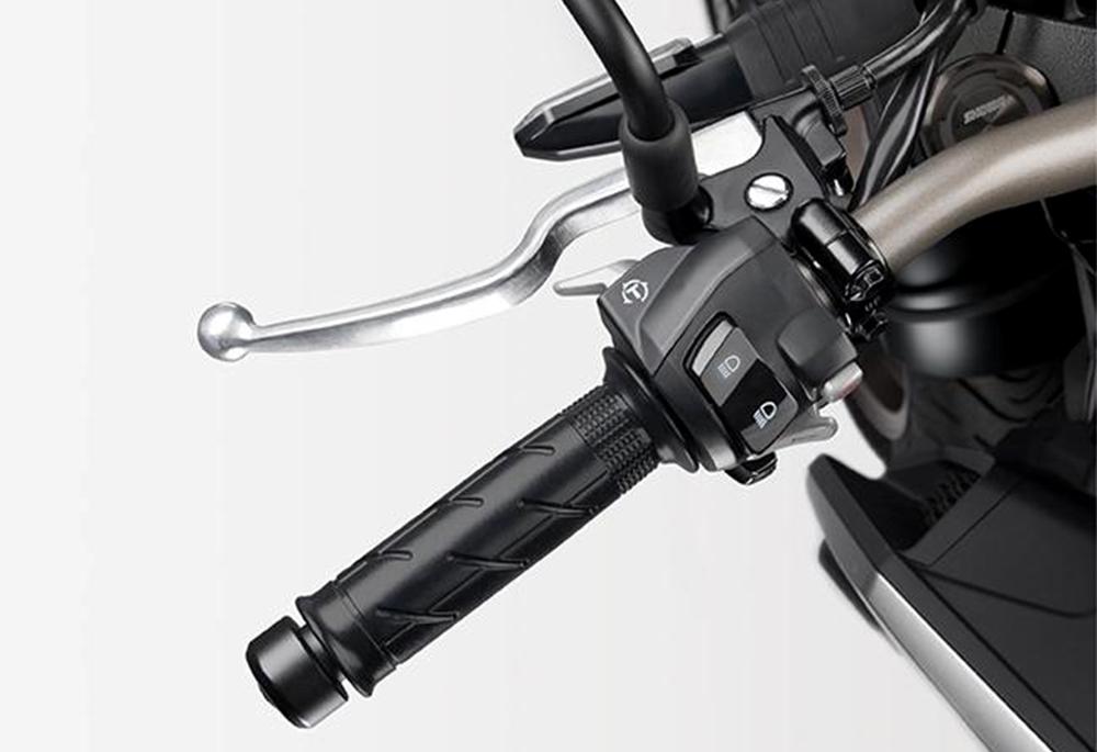kiểm soát lực kéo Honda CB650R 2022