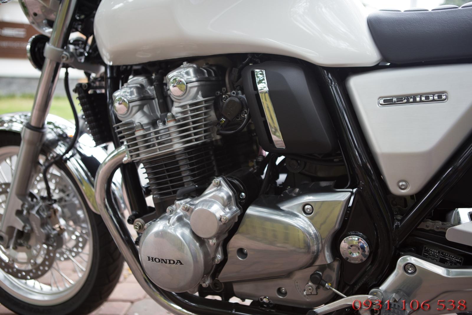 Honda CB1100 EX 2017 màu trắng